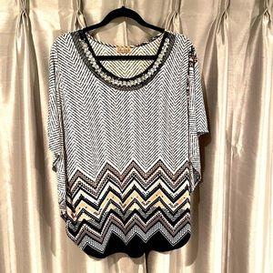 Shiny neckline blouse Sz XL. F6